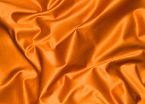 Orangefarbener Satin